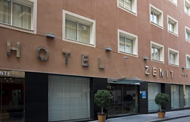 Hotel Zenit Málaga admite mascotas